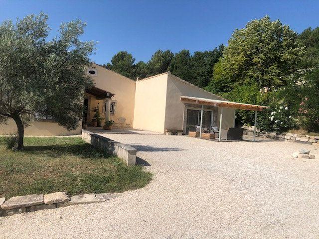 Maison à vendre 7 188m2 à Roussas vignette-1