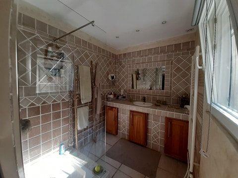 Maison à vendre 7 188m2 à Roussas vignette-9