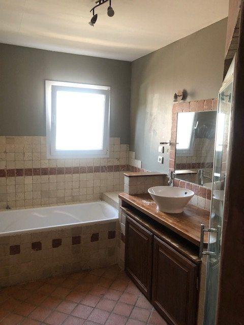 Maison à vendre 5 119m2 à Saint-Montan vignette-4
