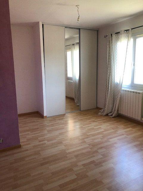 Maison à vendre 5 119m2 à Saint-Montan vignette-5