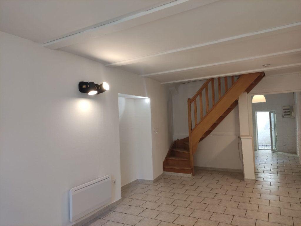 Appartement à louer 4 77m2 à Donzère vignette-2