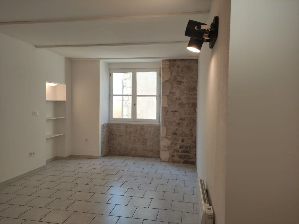 Appartement à louer 4 77m2 à Donzère vignette-3