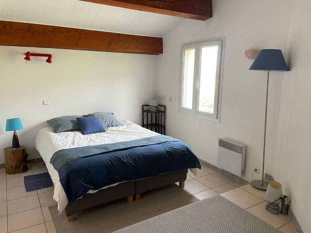 Appartement à louer 5 112m2 à Saint-Paul-Trois-Châteaux vignette-8