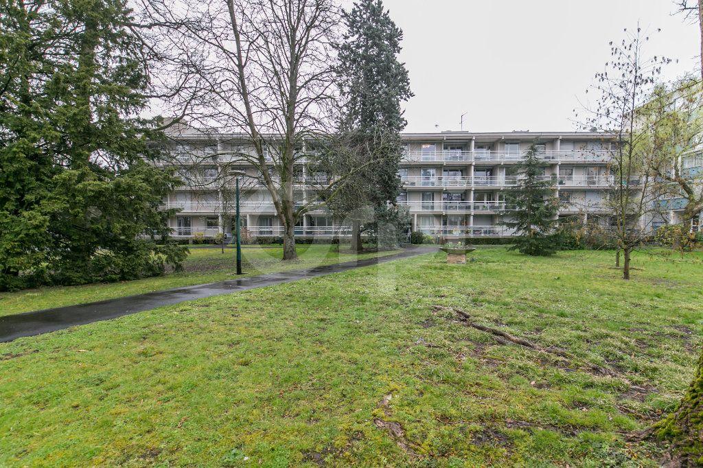 Appartement à vendre 4 81m2 à Vaires-sur-Marne vignette-1