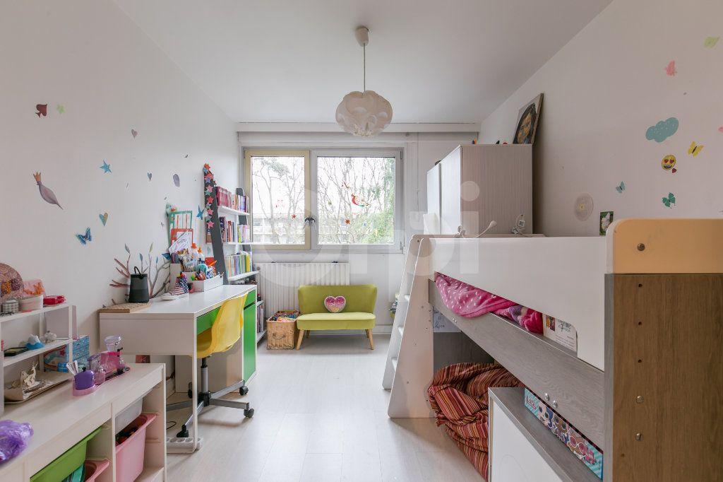 Appartement à vendre 4 81m2 à Vaires-sur-Marne vignette-6
