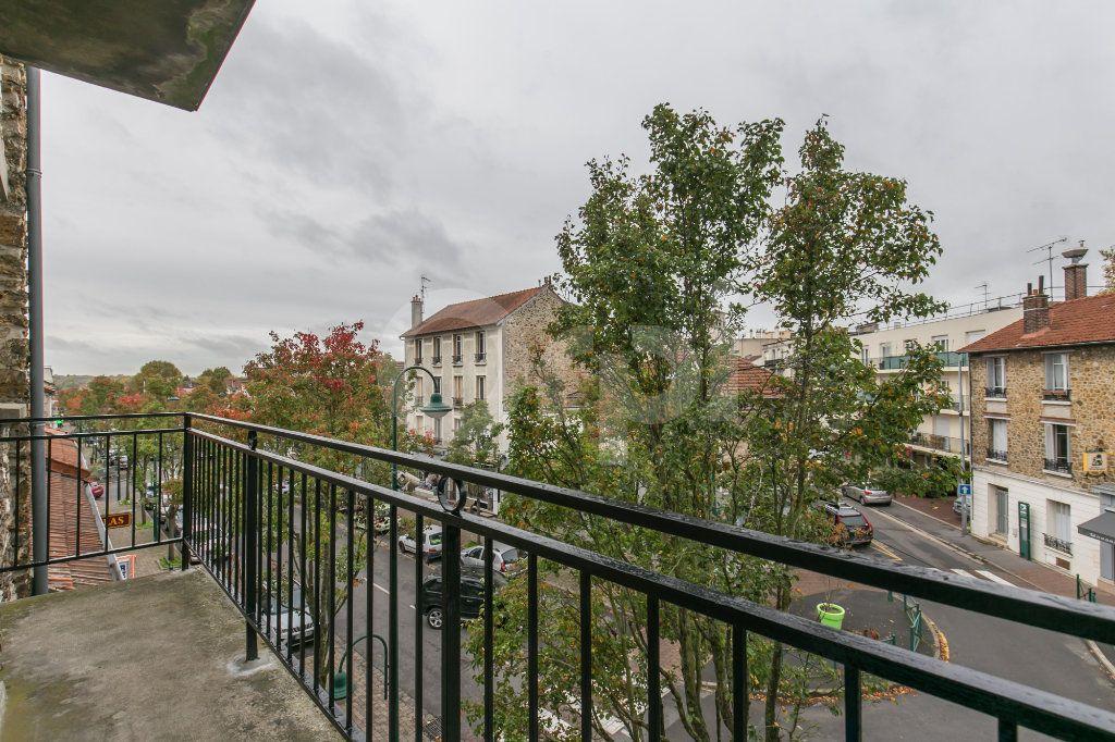 Appartement à louer 3 55.5m2 à Vaires-sur-Marne vignette-3