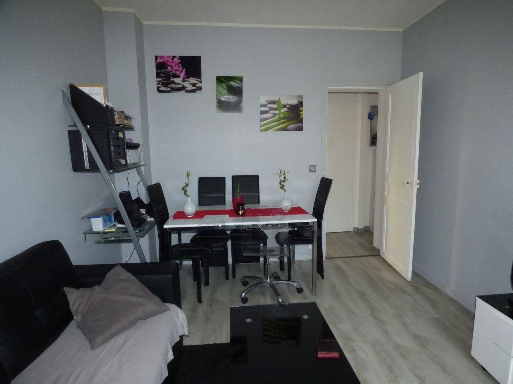 Appartement à louer 2 32m2 à Brou-sur-Chantereine vignette-2