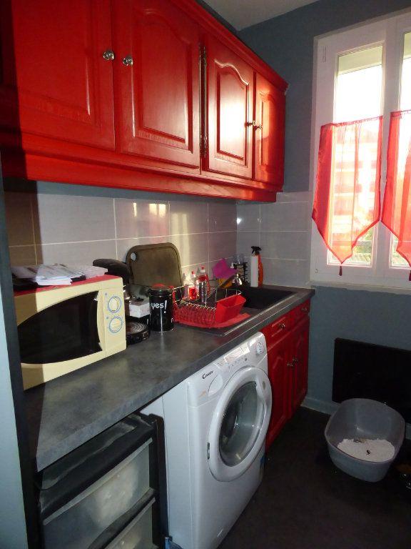 Appartement à louer 2 32m2 à Brou-sur-Chantereine vignette-3
