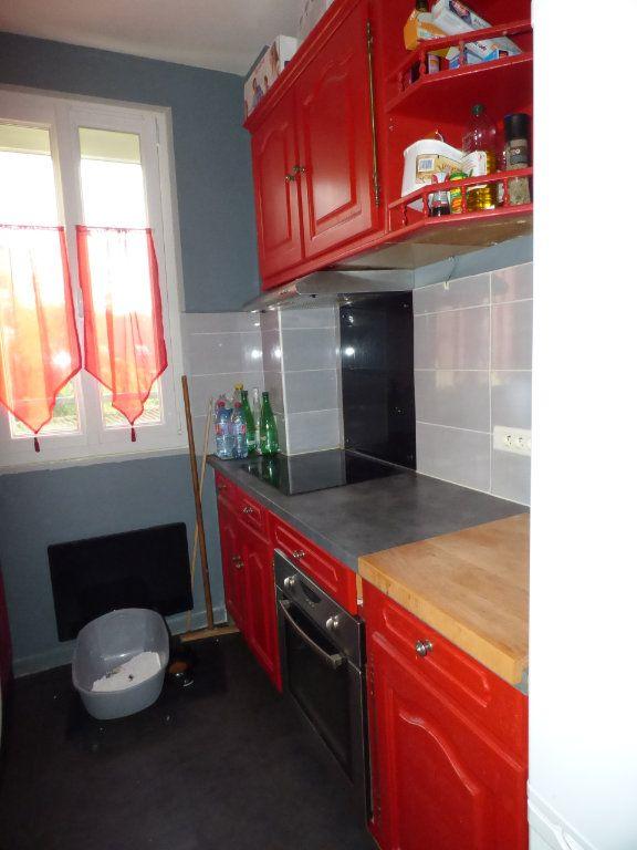 Appartement à louer 2 32m2 à Brou-sur-Chantereine vignette-4