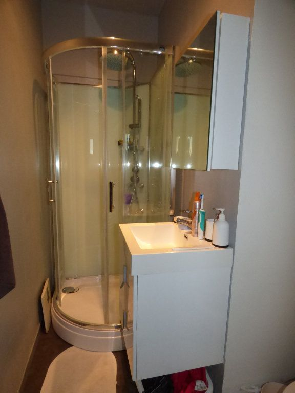 Appartement à louer 2 32m2 à Brou-sur-Chantereine vignette-5