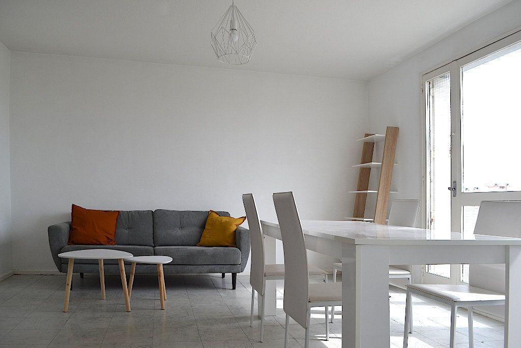 Appartement à louer 4 69.22m2 à Toulouse vignette-1