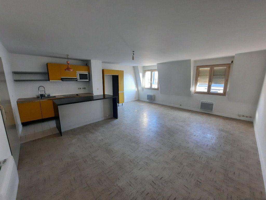 Appartement à louer 3 82.21m2 à Châtillon vignette-4