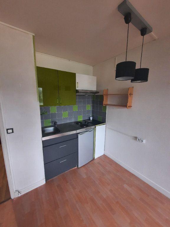 Appartement à louer 1 18m2 à Clamart vignette-1