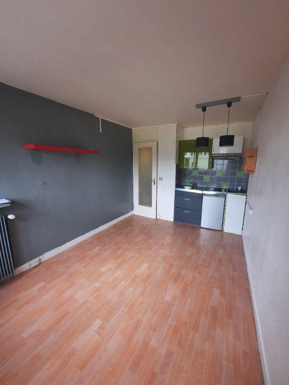 Appartement à louer 1 18m2 à Clamart vignette-2