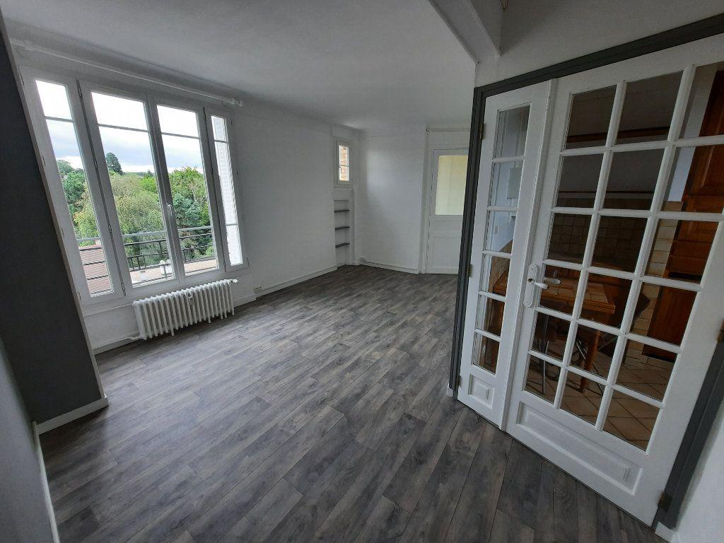 Appartement à louer 3 57m2 à Clamart vignette-1
