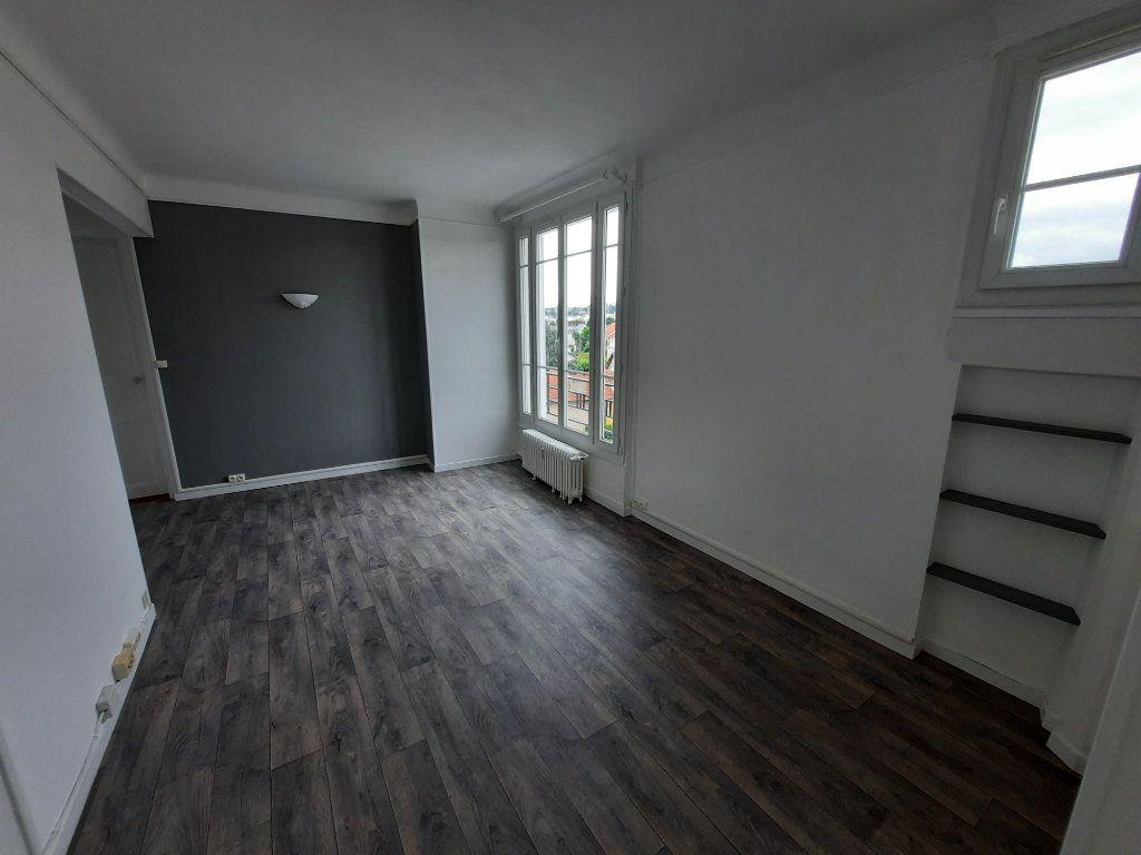 Appartement à louer 3 57m2 à Clamart vignette-2