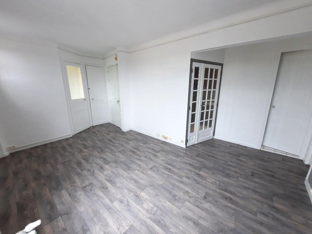 Appartement à louer 3 57m2 à Clamart vignette-3