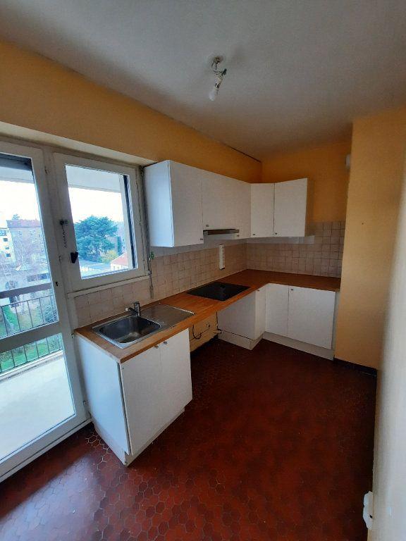 Appartement à louer 3 74.83m2 à Clamart vignette-2