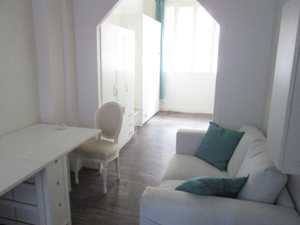 Appartement à louer 1 21.96m2 à Clamart vignette-4