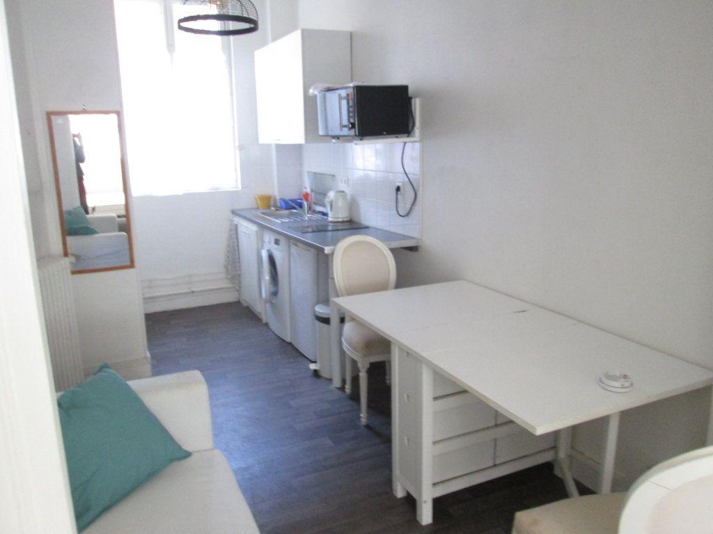 Appartement à louer 1 21.96m2 à Clamart vignette-5
