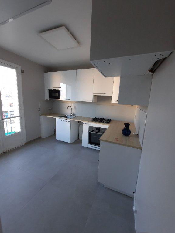 Appartement à louer 2 52.19m2 à Clamart vignette-2