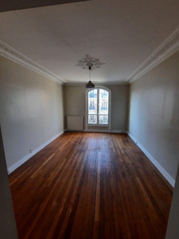 Appartement à louer 2 52.19m2 à Clamart vignette-3