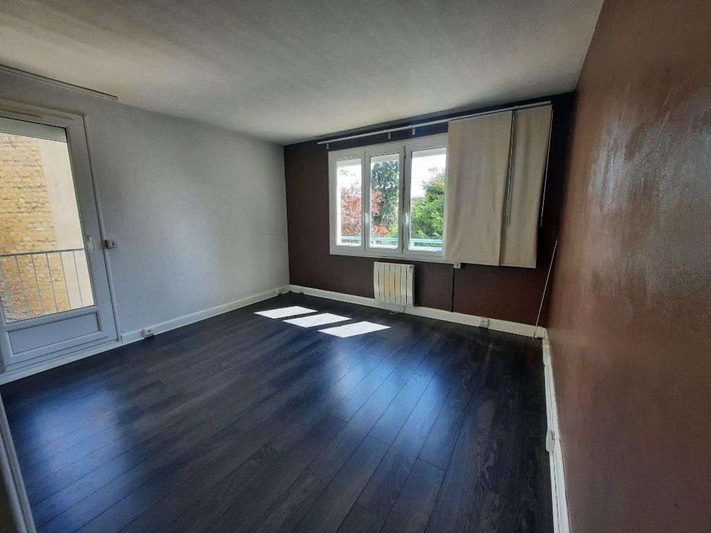 Appartement à louer 2 41.88m2 à Clamart vignette-2
