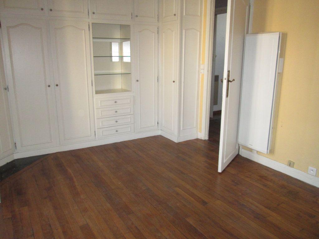 Appartement à louer 2 42.18m2 à Clamart vignette-2