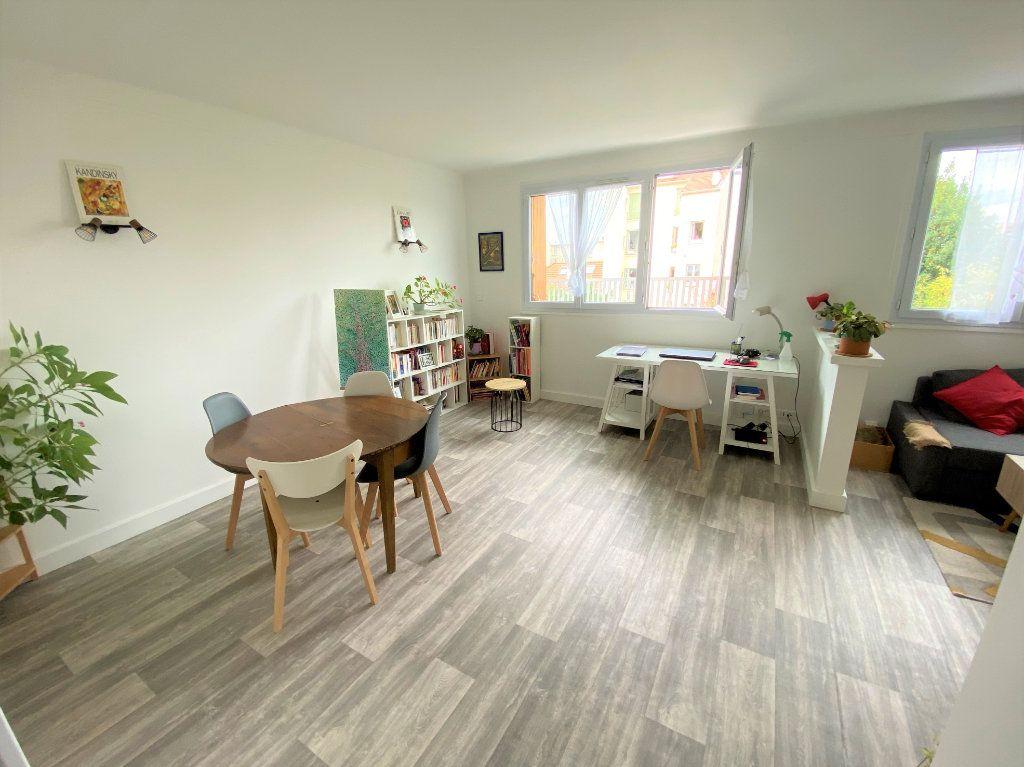 Appartement à vendre 3 56.53m2 à Clamart vignette-2