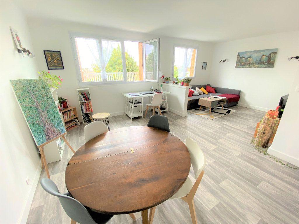 Appartement à vendre 3 56.53m2 à Clamart vignette-3