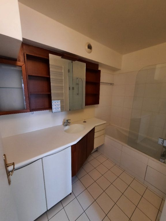 Appartement à louer 4 79.59m2 à Clamart vignette-9