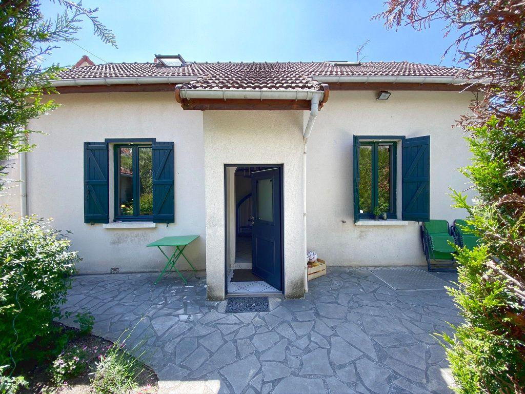 Maison à vendre 4 85.79m2 à Clamart vignette-2