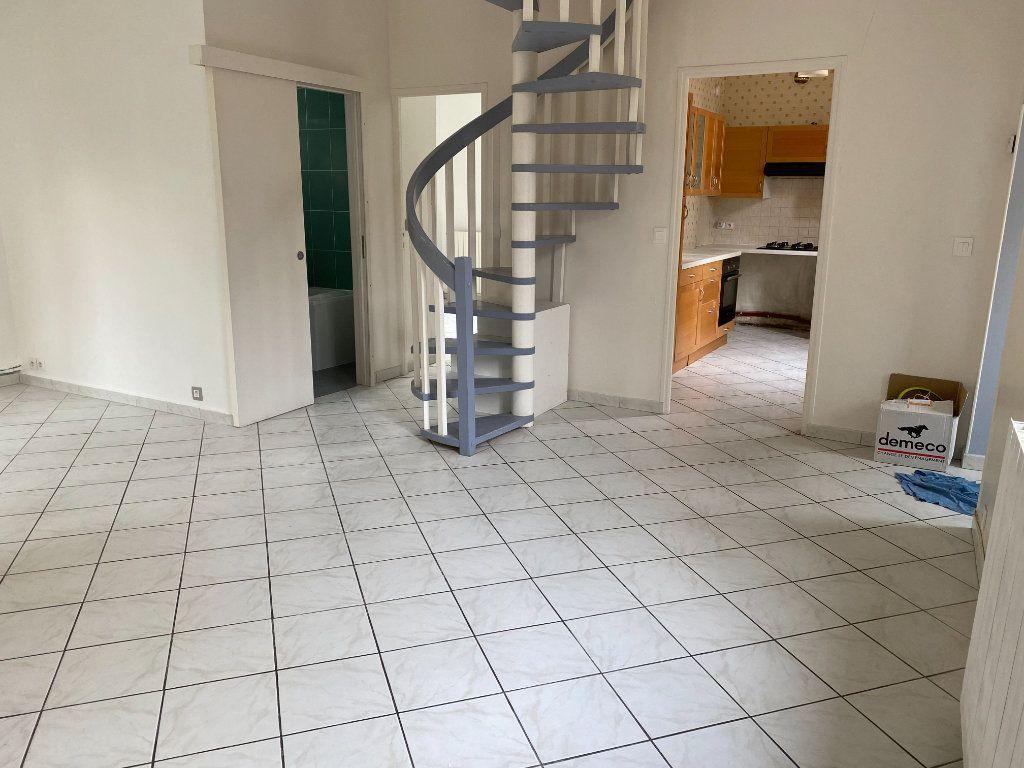Maison à vendre 4 85.79m2 à Clamart vignette-3
