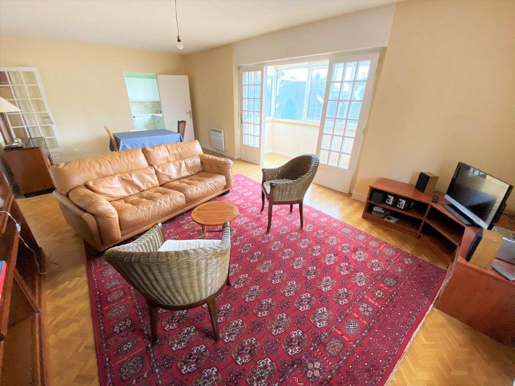 Appartement à vendre 4 101m2 à Clamart vignette-4