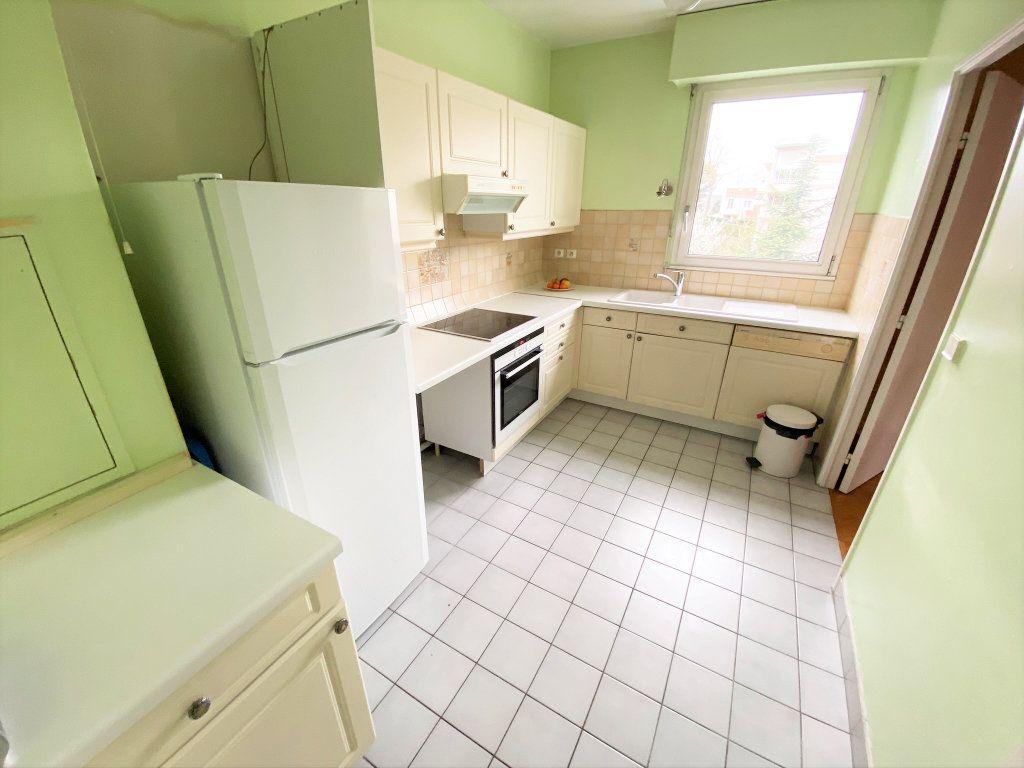 Appartement à vendre 4 101m2 à Clamart vignette-6