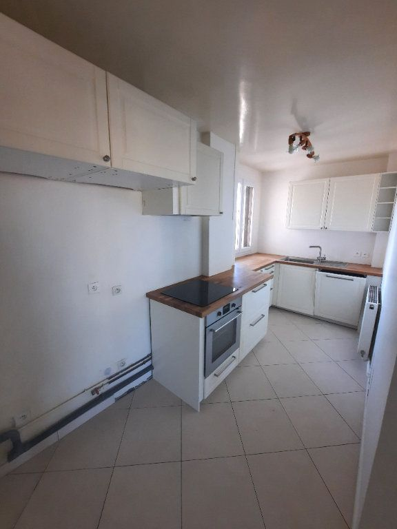 Appartement à louer 4 78m2 à Clamart vignette-3