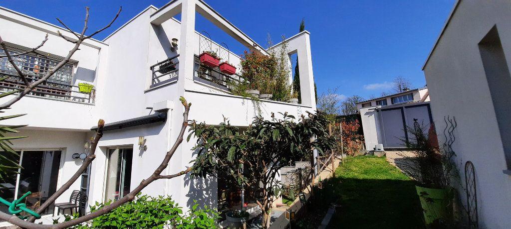 Maison à vendre 8 200m2 à Clamart vignette-1