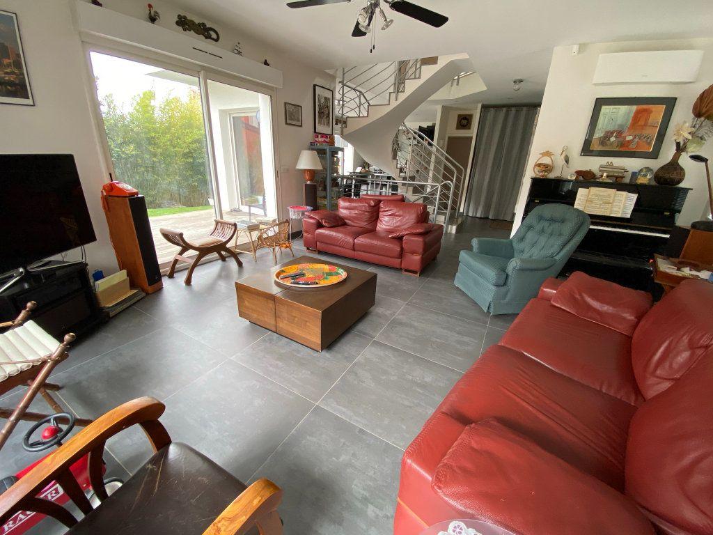 Maison à vendre 8 200m2 à Clamart vignette-6