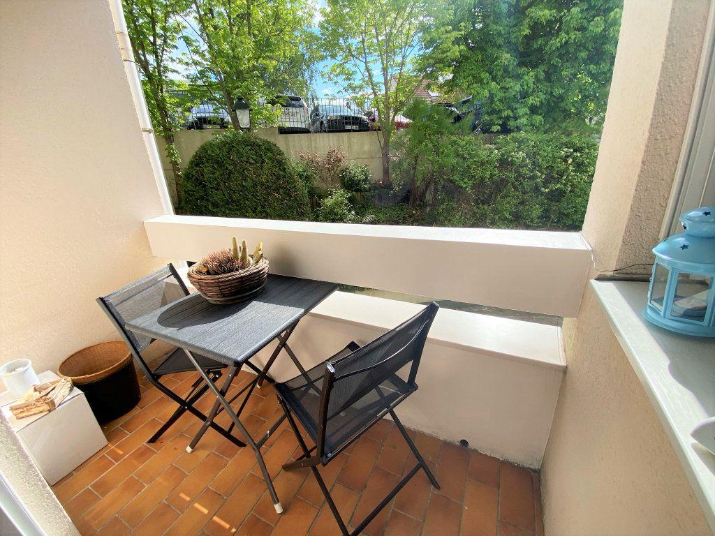 Appartement à vendre 5 100m2 à Clamart vignette-1