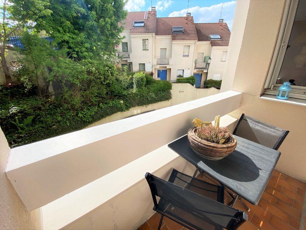 Appartement à vendre 5 100m2 à Clamart vignette-2