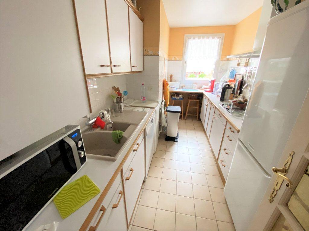 Appartement à vendre 5 100m2 à Clamart vignette-3