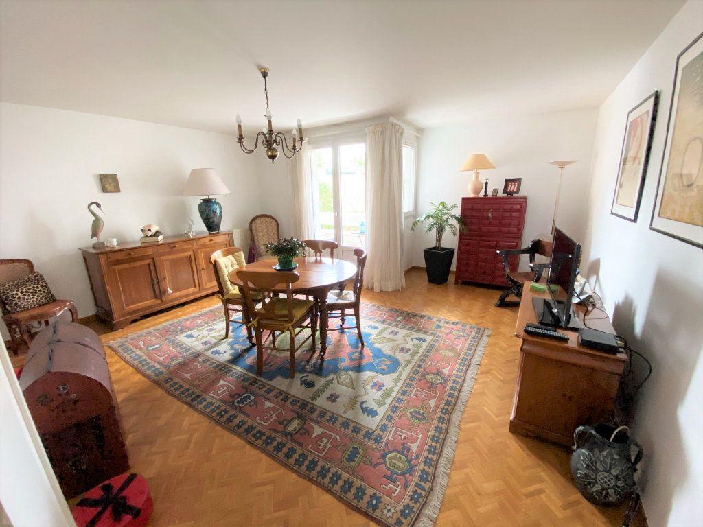 Appartement à vendre 5 100m2 à Clamart vignette-4