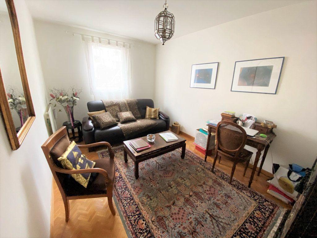 Appartement à vendre 5 100m2 à Clamart vignette-5