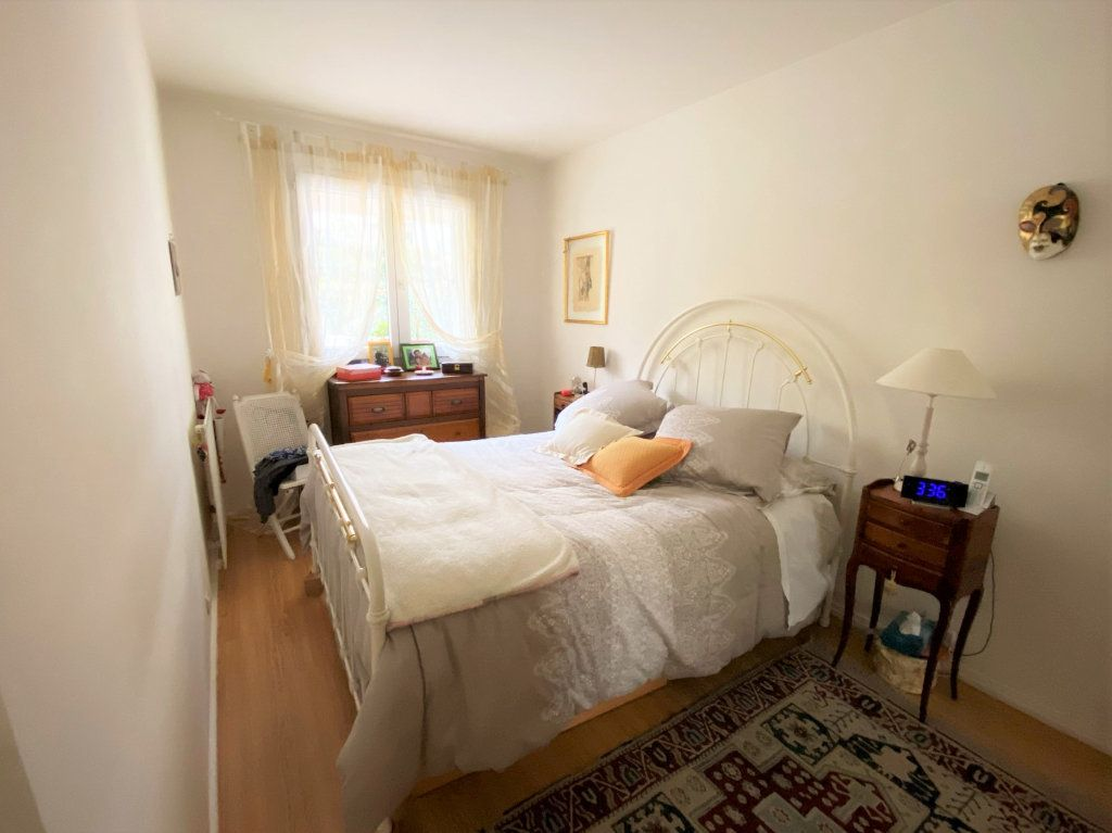 Appartement à vendre 5 100m2 à Clamart vignette-6