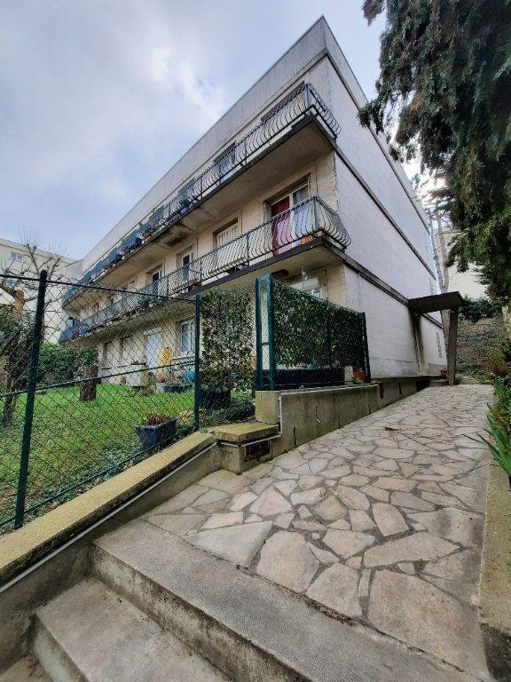 Appartement à louer 1 25m2 à Clamart vignette-1