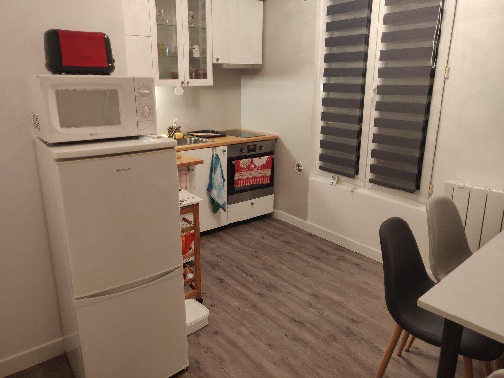 Appartement à louer 2 27.83m2 à Clamart vignette-2