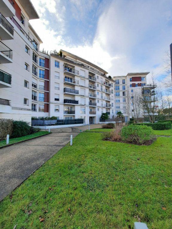Appartement à louer 1 26m2 à Le Plessis-Robinson vignette-1