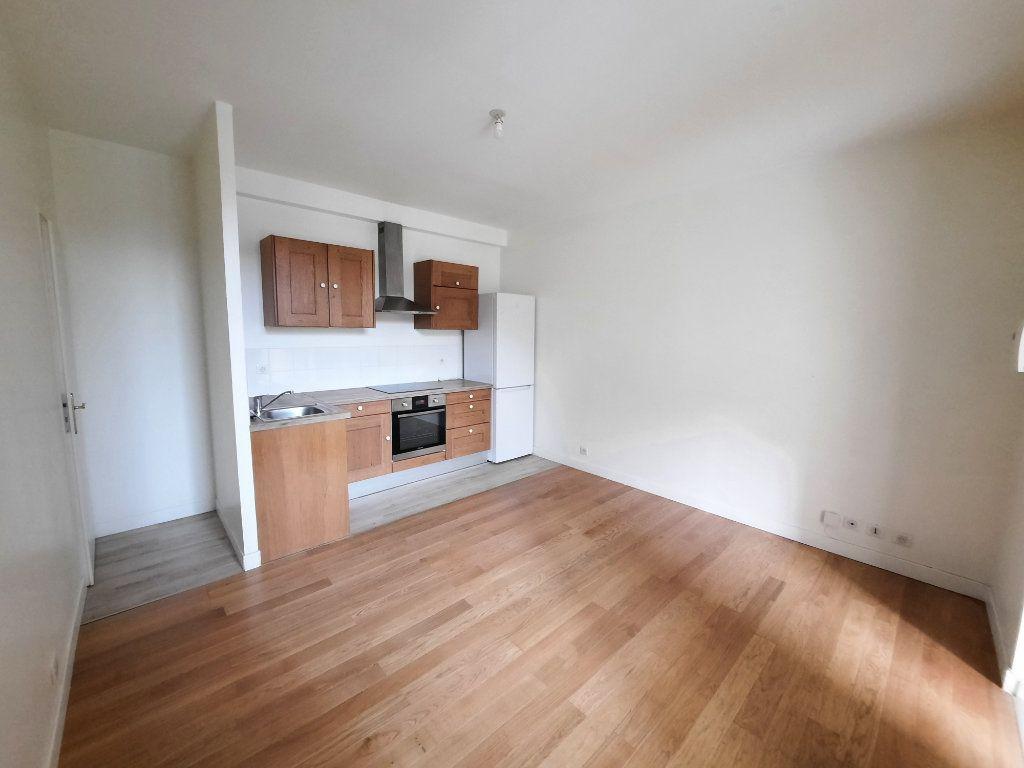 Appartement à louer 2 33.5m2 à Malakoff vignette-1