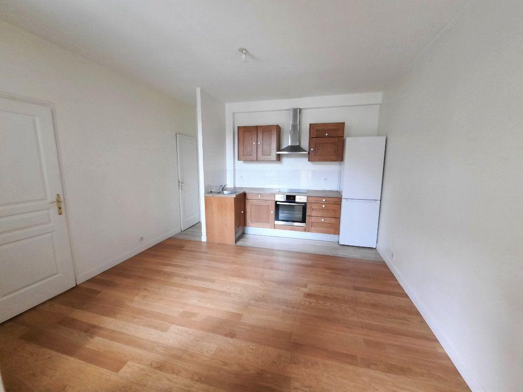 Appartement à louer 2 33.5m2 à Malakoff vignette-2