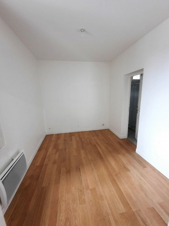 Appartement à louer 2 33.5m2 à Malakoff vignette-3